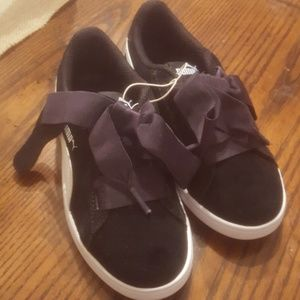 Never worn! New! Puma suede sneakers